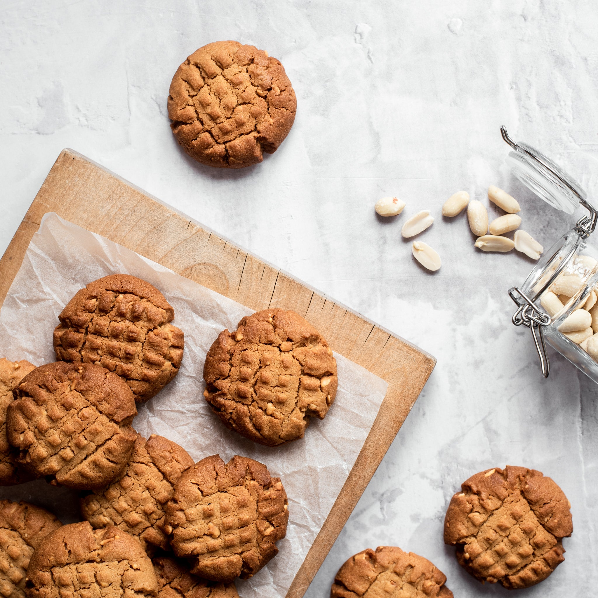Crunchy-Peanut-Butter-Cookies-SQUARE-1.jpg