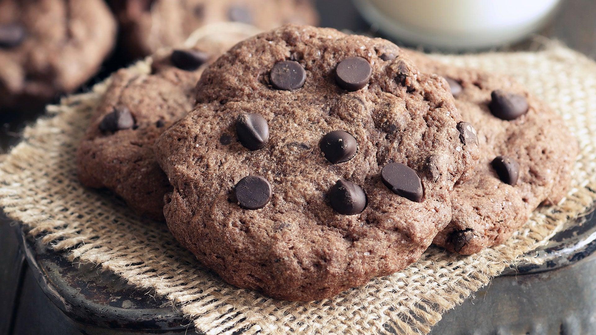 Simple-Choc-Chip-Cookies_Header.jpg