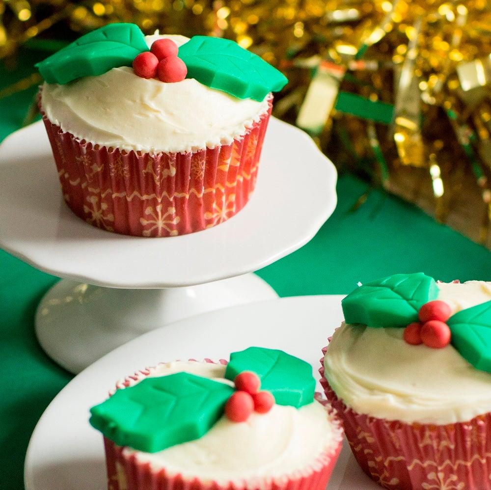 1-Christmas-fairy-cakes-web.jpg