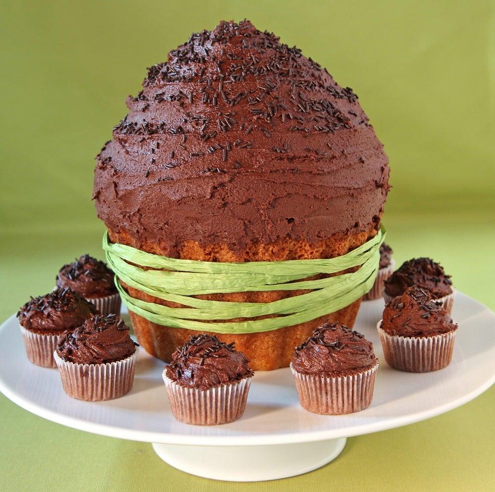 1-Giant-choc-cupcake.jpg