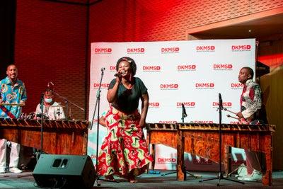 Die Marimba Band begleitete den Start von DKMS Africa