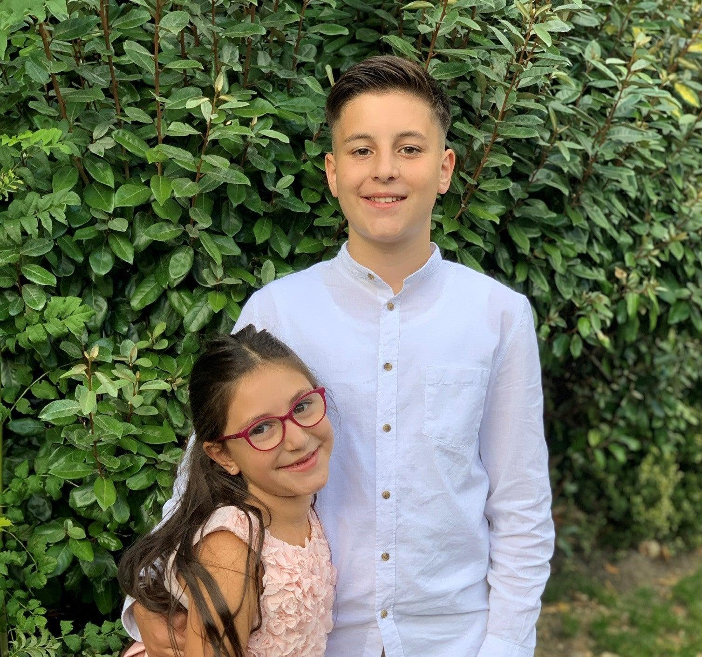 Cenk mit seiner Schwester