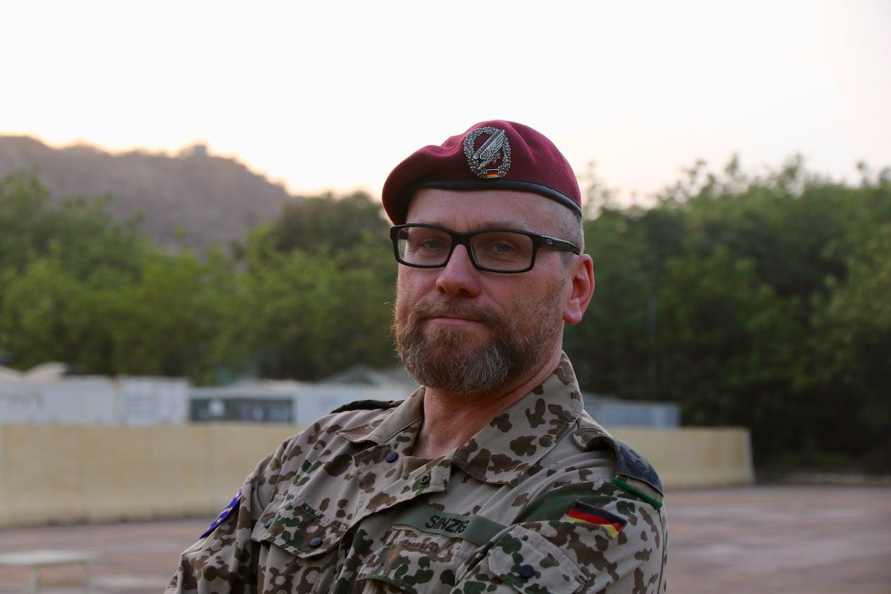 Der 47-jährige Oberstleutnant Eike Sinzig spendete vor seinem Auslandseinsatz Stammzellen
