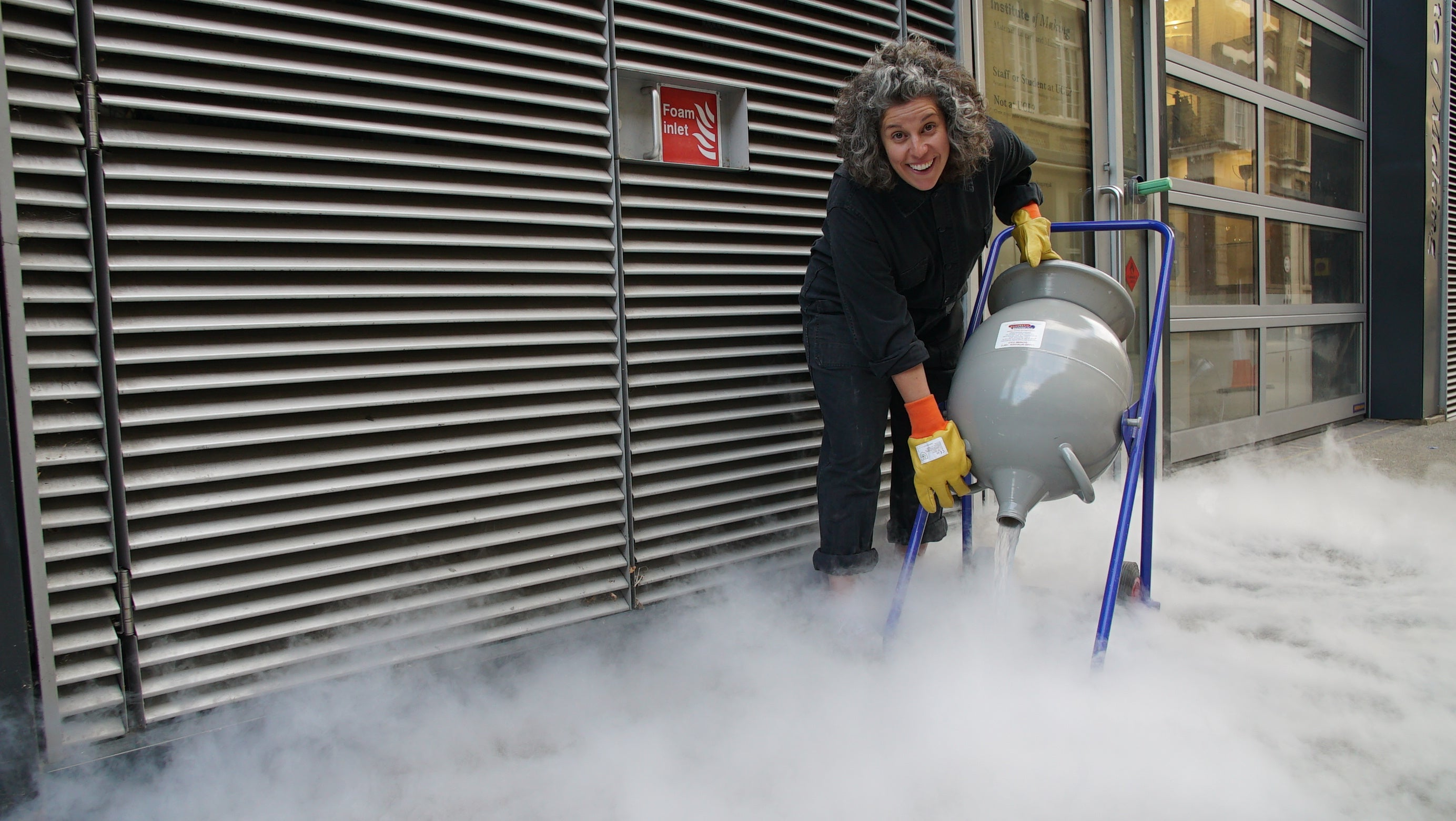 How to Make presenter Zoe Laughlin, pouring Liquid Nitrogen