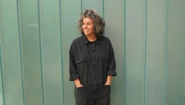 Materials expert Zoe Laughlin for the tv series How to Make
