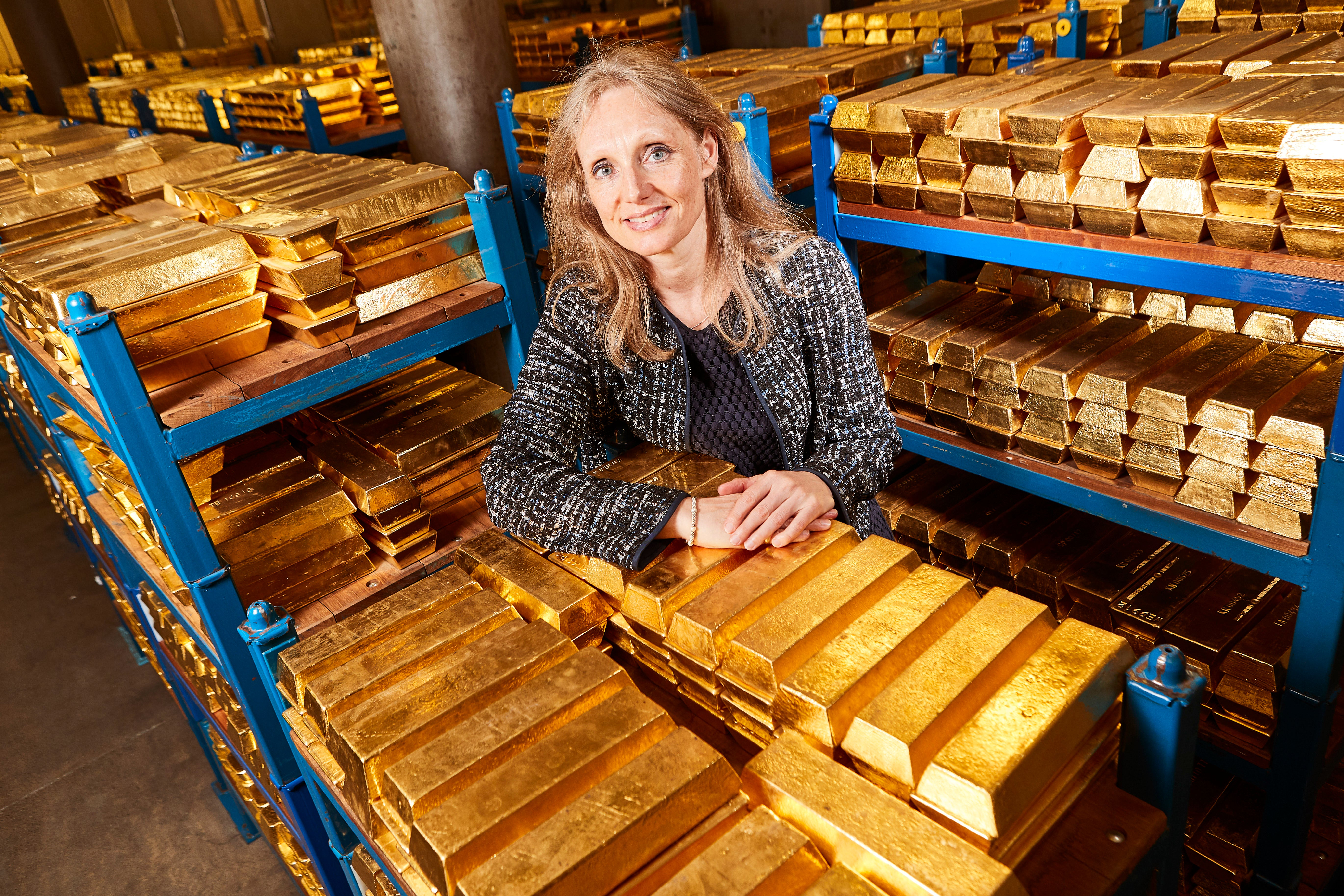 Inside the bank of England still - gold reserves