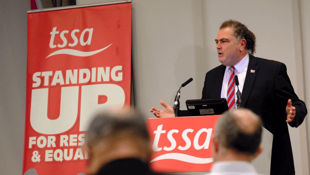 Manuel Cortes speaking at 2021 TSSA conference podium.