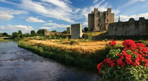 Trim Castle in County Meath and the river Boyne in the foreground of the photograph
