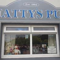 Matty's Pub & Accommodation exterior.