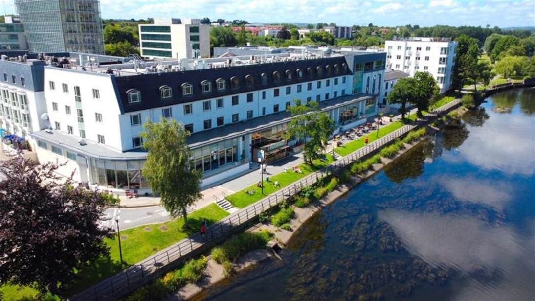 The Kingsley beside River Lee in Cork