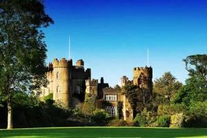 Malahide Castle & Coastal Tour - City Sightseeing Dublin