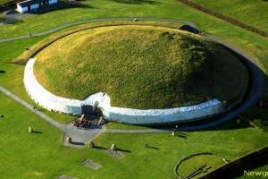 Newgrange & Hill of Tara Tour - Gray Line Tours