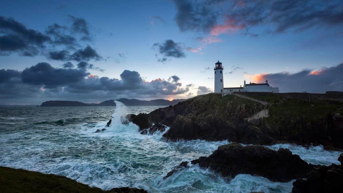 Waves crashing against the rocks at Fanad Lighthouse
