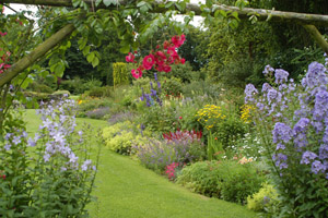 East to West Garden Tour  - Arbutus Garden Tours