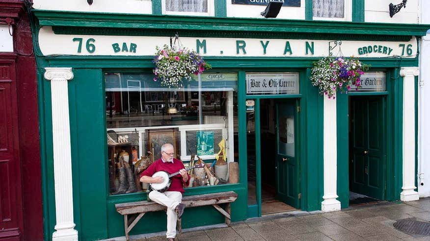 Grab a bite to eat at Mikey Ryan's on Cashel's Main Street.