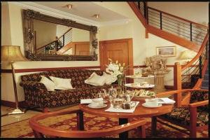The Shoreline Hotel