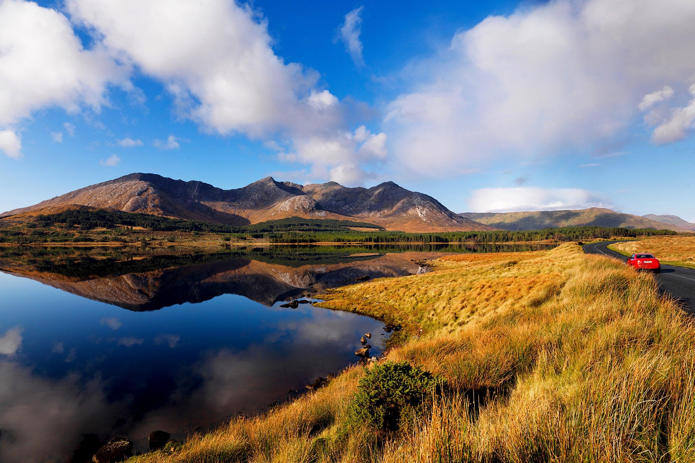 Blue skies, mountains and a lake at Connemara National Park