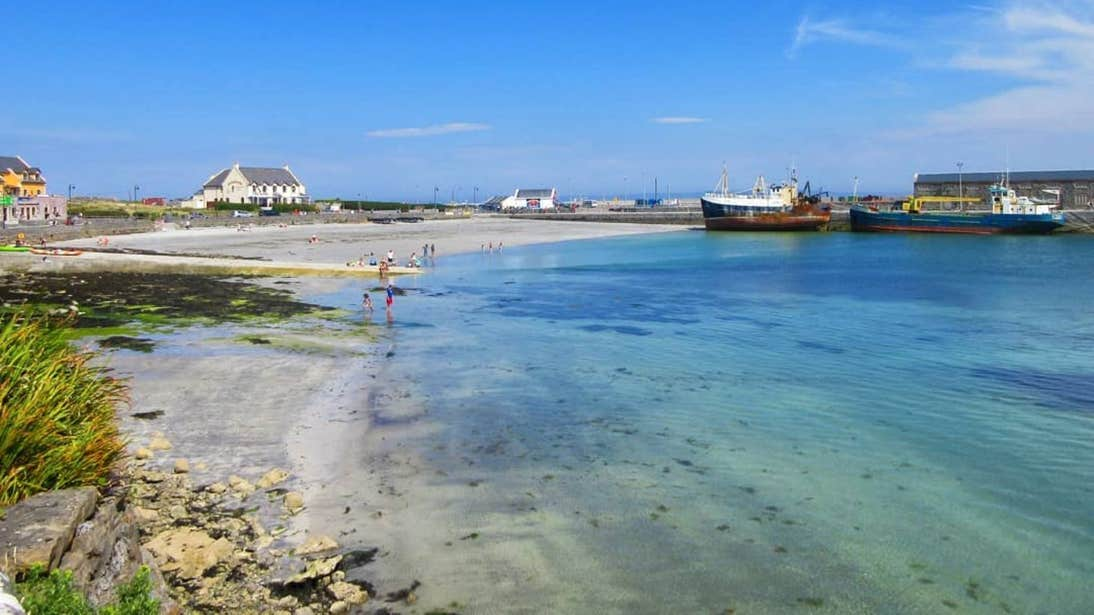 White sands and clear water at Kilmurvey Beach, Inishmore, Aran Islands