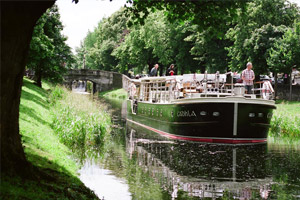 Canal Boat Restaurant