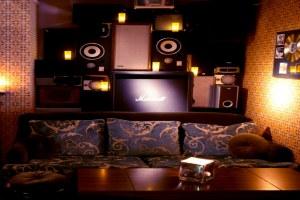 Gilbert & Wright (Living Room)