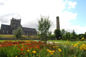 Bunratty Castle, Burren & Cliffs of Moher - Quicktours
