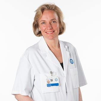 Dr.   Bos
