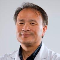 Dr.   Liem