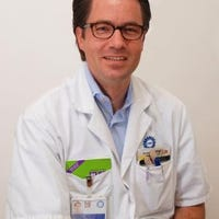 Dr.   Arends