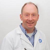 Dr.    Wolfs