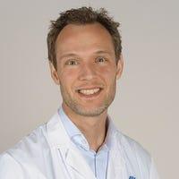 Dr.    Jonker