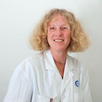 Dr.   Visser