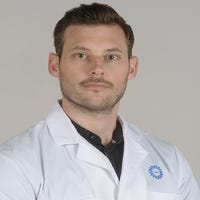 Dr.  van der Woude