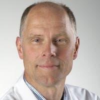 Dr.   van  Es