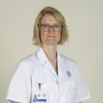 Dr.   Oegema