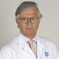 Dr.    Sakkers