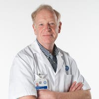 Dr.    Groenewegen