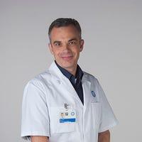 Dr.   Vink