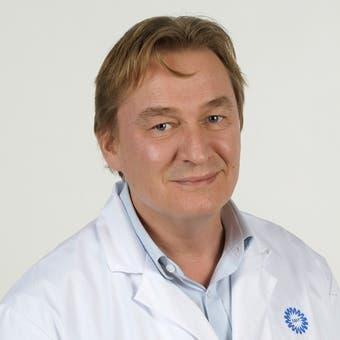 Dr.    Derks