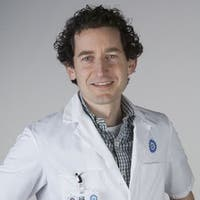 Dr.   Brosens