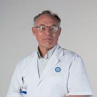 Dr.   Nikkels