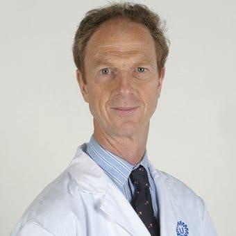 Dr.    Mink van der Molen