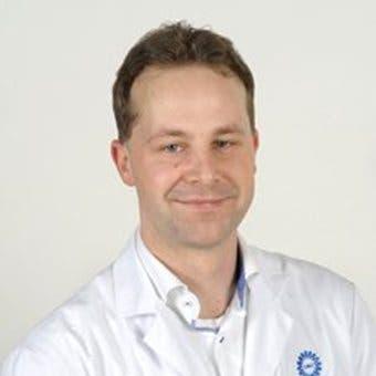 Dr.   van  Brussel
