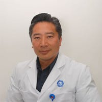 Dr.    Han