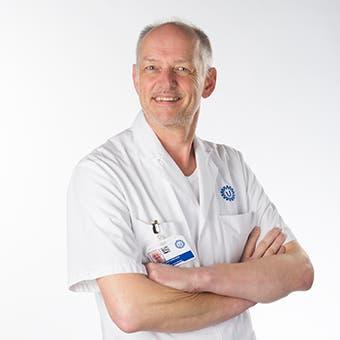 Dr.  van Adrichem