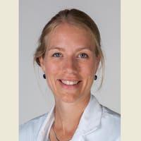 Dr.   Kamphuis