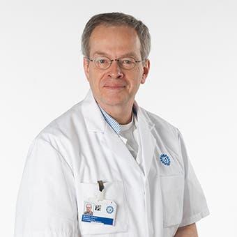 Dr.    Vogely