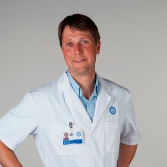 Dr.   Gerestein