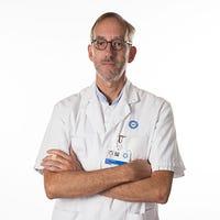 Dr.   van Brakel