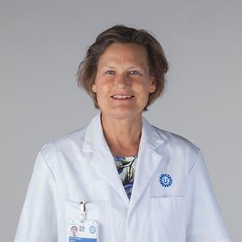 Dr.   Jonges