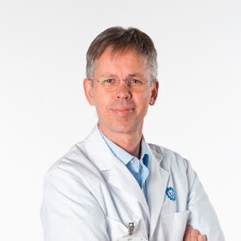 Prof. dr.   van  Laar